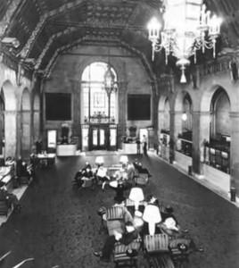 """Die Lobby des """"Biltmore Hotel"""""""